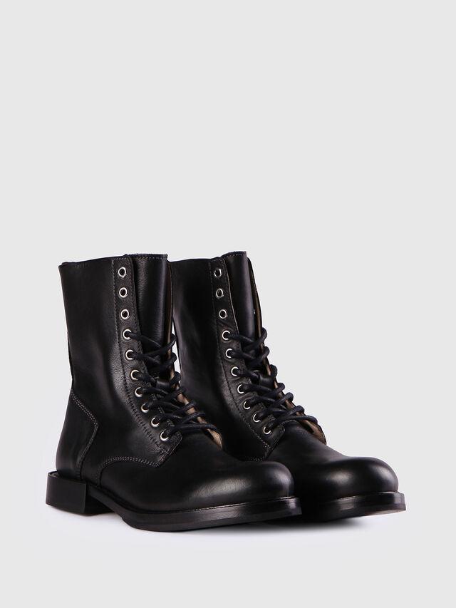 D-KOMB BOOT CB, Black