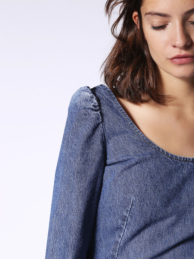 DE-JOY, Blue jeans
