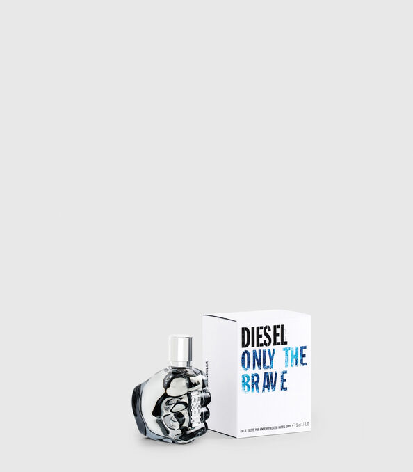 https://se.diesel.com/dw/image/v2/BBLG_PRD/on/demandware.static/-/Sites-diesel-master-catalog/default/dw2e2f7f23/images/large/PL0123_00PRO_01_O.jpg?sw=594&sh=678