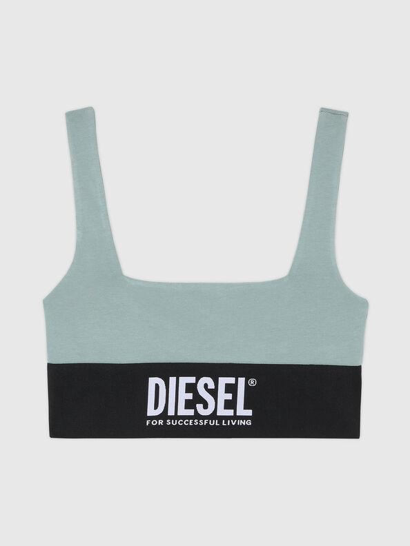 https://se.diesel.com/dw/image/v2/BBLG_PRD/on/demandware.static/-/Sites-diesel-master-catalog/default/dw43a8fc2c/images/large/A01952_0DCAI_5BQ_O.jpg?sw=594&sh=792