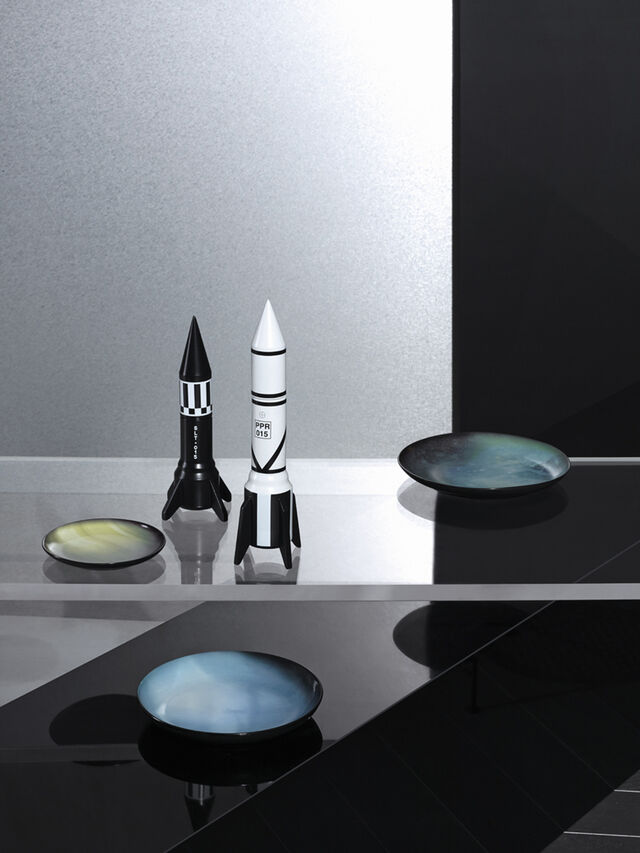 Living 10968 COSMIC DINER, Black - Home Accessories - Image 2