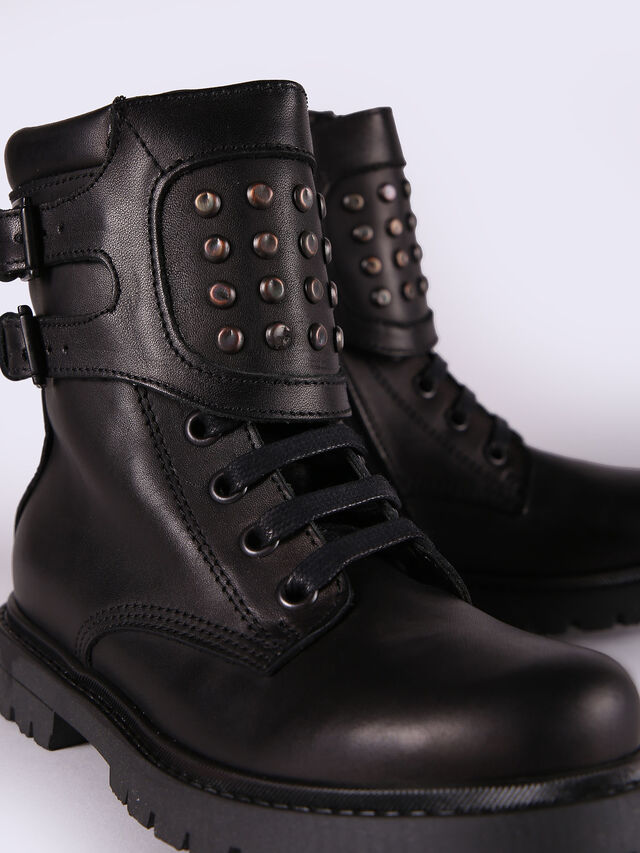 HB 9 BOOT CH,