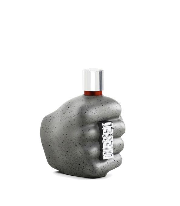https://se.diesel.com/dw/image/v2/BBLG_PRD/on/demandware.static/-/Sites-diesel-master-catalog/default/dwd6618be9/images/large/PL0458_00PRO_01_O.jpg?sw=594&sh=678